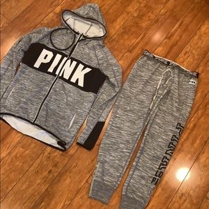 Xs / s vs pink outfit like new
